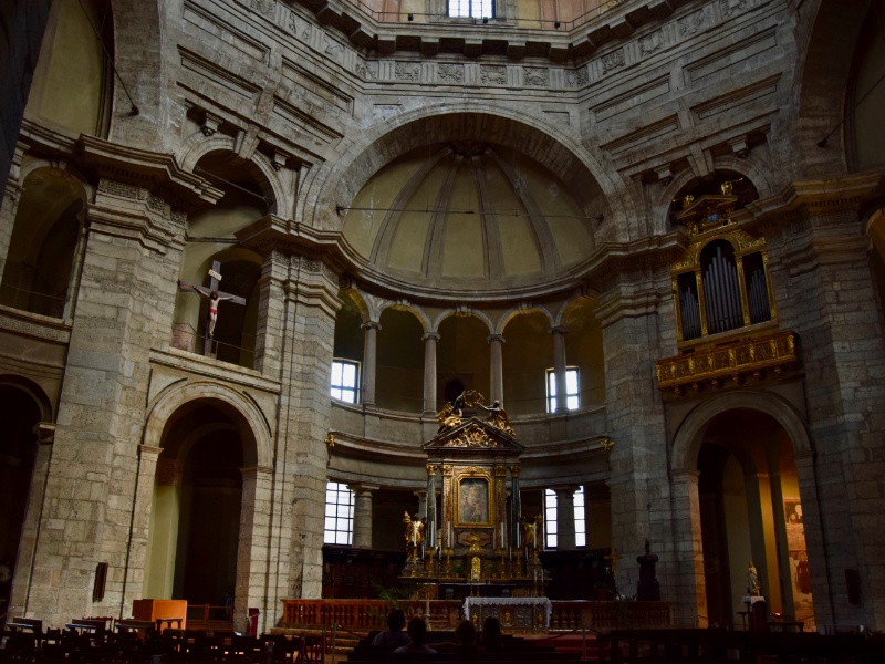 Basilica di San Lorenzo Maggiore, interno