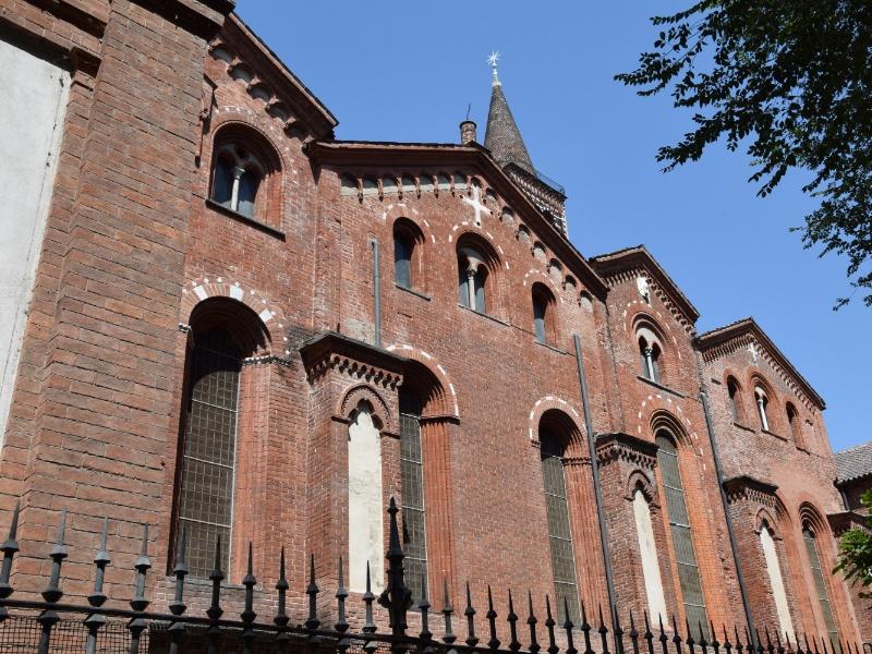 Basilica di Sant'Eustorgio, cappelle laterali