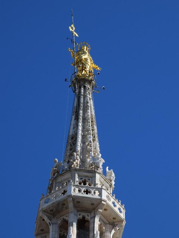 Duomo, guglia maggiore con la Madonnina