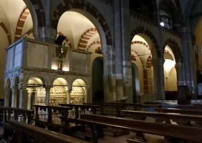 Basilica di Sant'Ambrogio - Pulpito e sarco