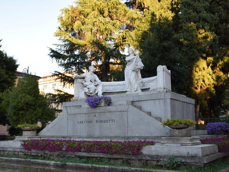 Bergamo Bassa, Monumento a Gaetano Donizetti