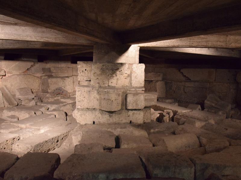 Basilica di San Lorenzo Maggiore, sotterranei