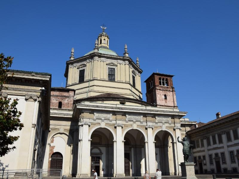 Basilica di San Lorenzo Maggiore, facciata