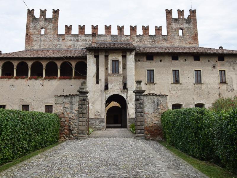Cavernago, Castello di Malpaga