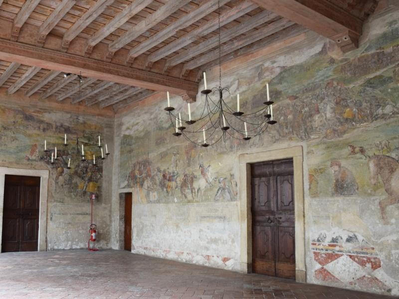 Cavernago, Castello di Malpaga, affresco nel portico, parete nord