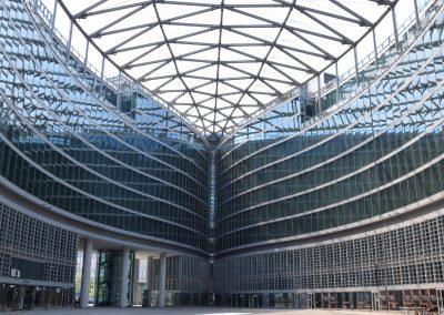 Palazzo Lombardia - Piazza
